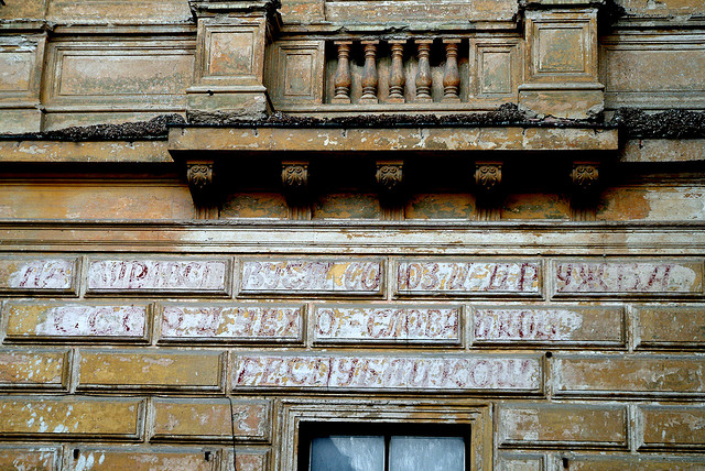 Russian slogan on Tábor theatre